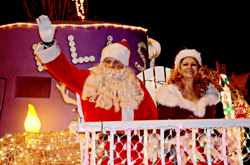 Christmas Light Up Parade in Aldergrove