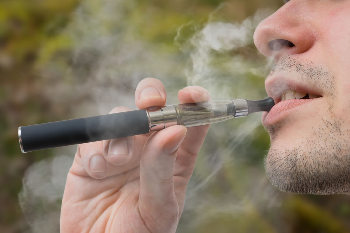 Smoking, Vaping, and Dental Care in 2018 - What you should know