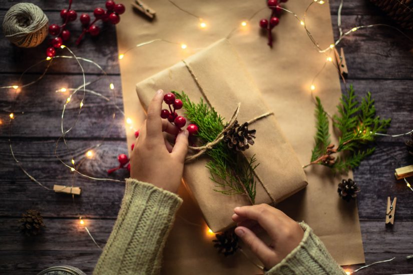 How to Find Alternatives for Gift Wrap This Holiday Season